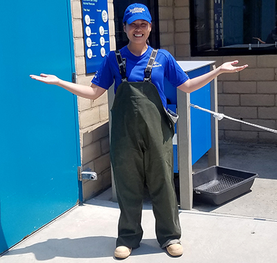 SeaWorld Rescue team member