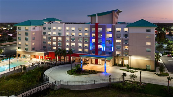 Holiday Inn Express and Suites Orlando