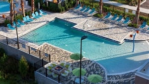 Holiday Inn Express and Suites Orlando Pool