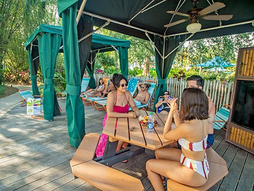 Roas Rapids Family Cabanas at Aquatica Orlando