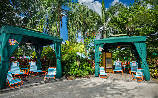 Rent a private cabana at Aquatica Orlando water park