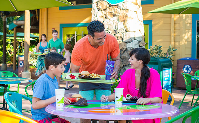 Family dining locations available at Aquatica Orlando water park