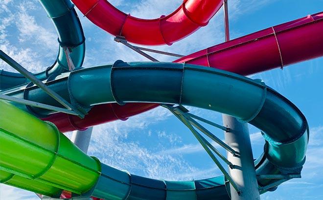 Aquatica Orlando Riptide Race Curved Slide