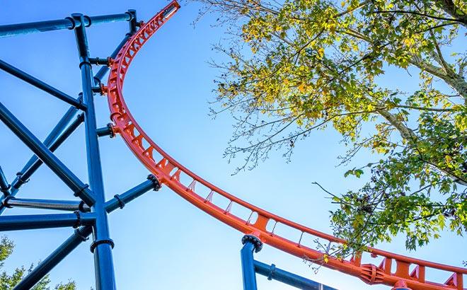 Vertical Track of Ice Breaker Rollercoaster at SeaWorld Orlando