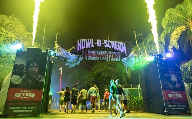 Entrance to Howl-O-Scream Orlando