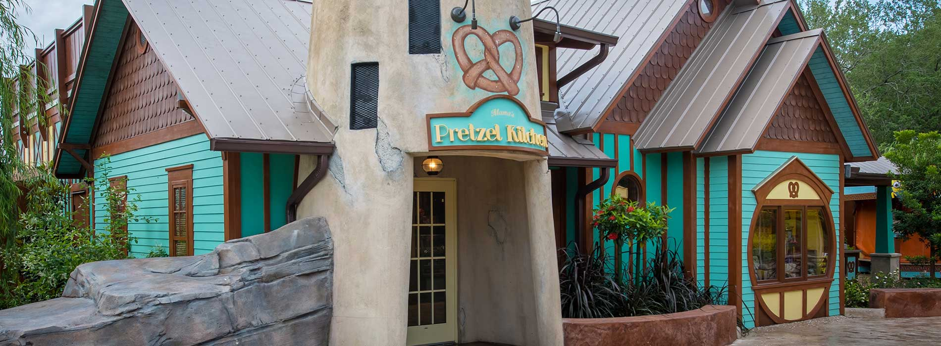 SeaWorld Orlando Mamas Pretzel Kitchen