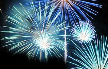 See amazing fireworks at SeaWorld.