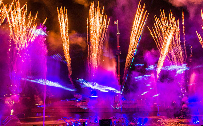 At SeaWorld, enjoy one of Orlando's most magnificent fireworks displays.