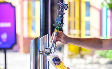 Beer pour at Mamas Pretzel Kitchen SeaWorld Orlando
