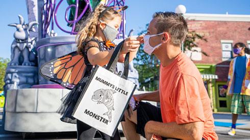 SeaWorld Orlando Halloween Spooktacular Bag