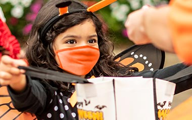 Contactless Trick or Treat Stations at Sesame Place