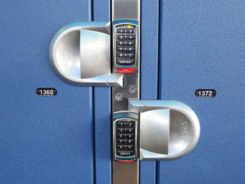 Jumbo locker