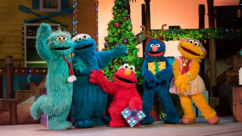 Join Cookie Monster, Rosita, Grover, and Zoe as they help Elmo find his Christmas wish!