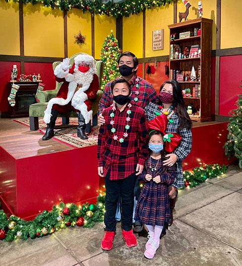 Photos with Santa at SeaWorld San Diego Christmas Celebration
