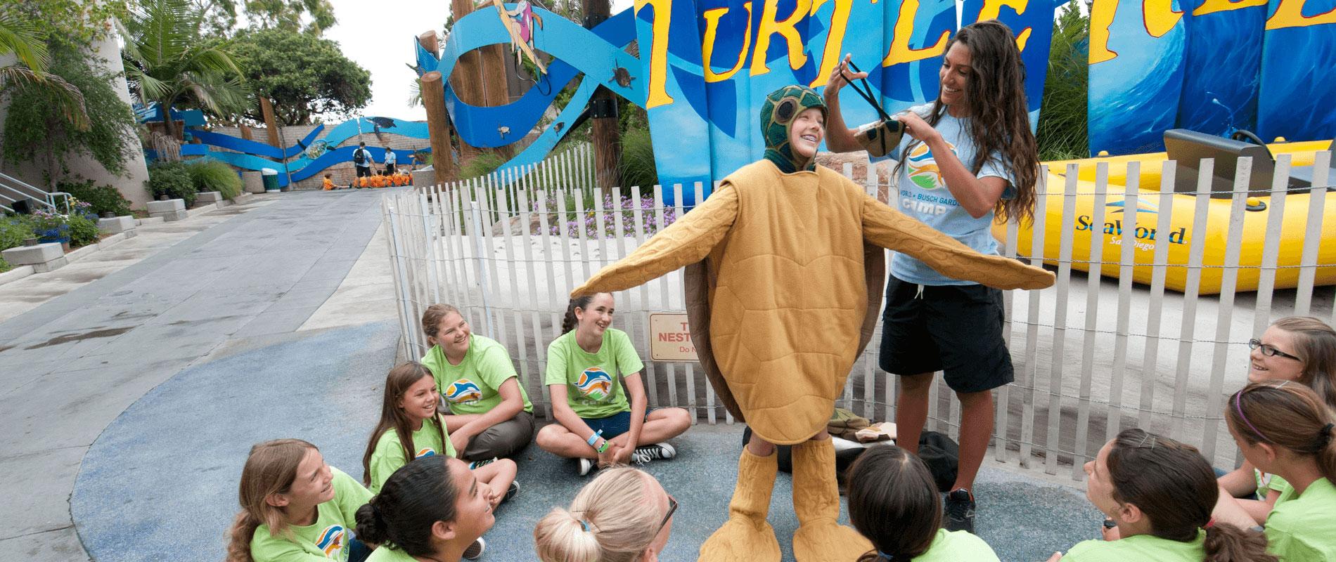 Kids at SeaWorld San Diego Educational Group Camp