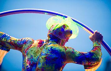 Cirque Neon Glow
