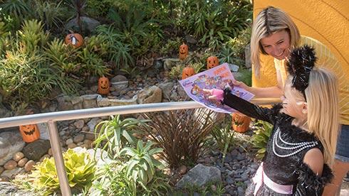SeaWorld San Diego Halloween Spooktacular Pumpkin Hunt