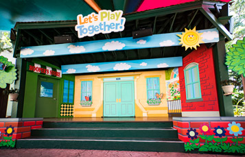 Let's Play Together show with Elmo and more Sesame Street friends!