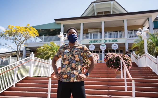 Busch Gardens Employee in front of Cheetah Hunt