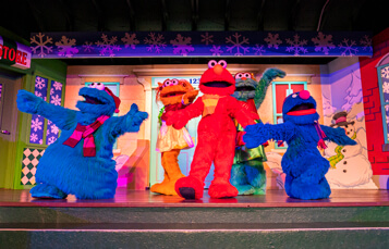Busch Gardens Tampa Bay Christmas Town 2019 Shows Elmo's Christmas Wish