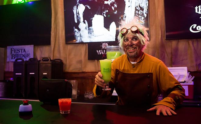 Enjoy delicious cocktails at Howl-O-Scream