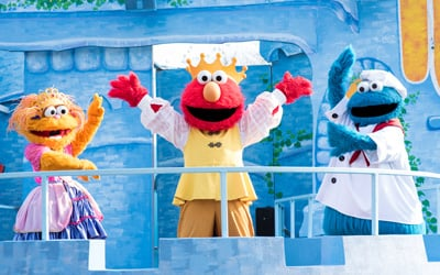 Kids dancing with Rosita & Abby Cadabby at Sunny Day Celebration