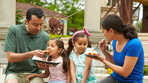 We offer kid-friendly menus in the park