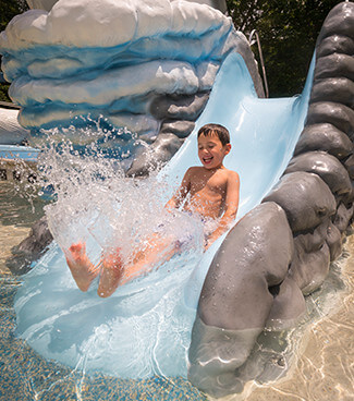 Kritter Korral at Water Country USA - shallow kid pool play area