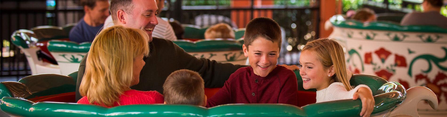 People riding Der Wirbelwind swing ride at Busch Gardens Williamsburg