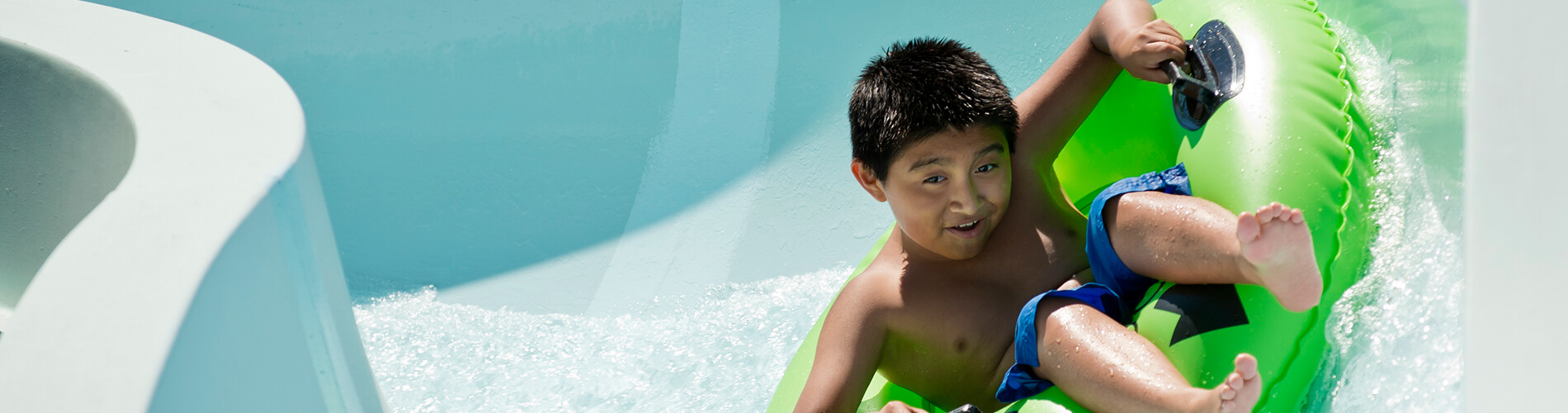 Jet Scream - Flume Slide at Water Country USA
