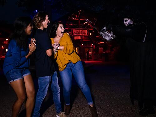 Busch Gardens Williamsburg Behind the Screams Tour
